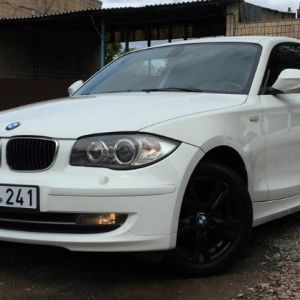 Aš parduodu BMW 118, išleidimo metai: 2010. Rida: 137 tūkst. Km. Variklis: 2,0 dyzelinas.