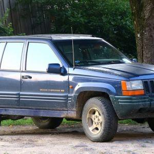 Šī ir mana automašīna. Kalpo mani līdz šai dienai daudzus gadus.