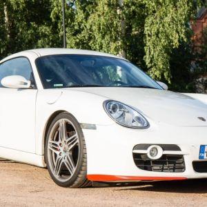 Myydään valkoista henkilöautoa Porsche Cayman S 3.4 Coupe. 2008 julkaisusta. Hinta on 34 0