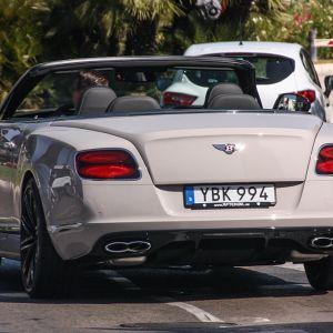 Wow! Jag älskar det här märket av bilar!